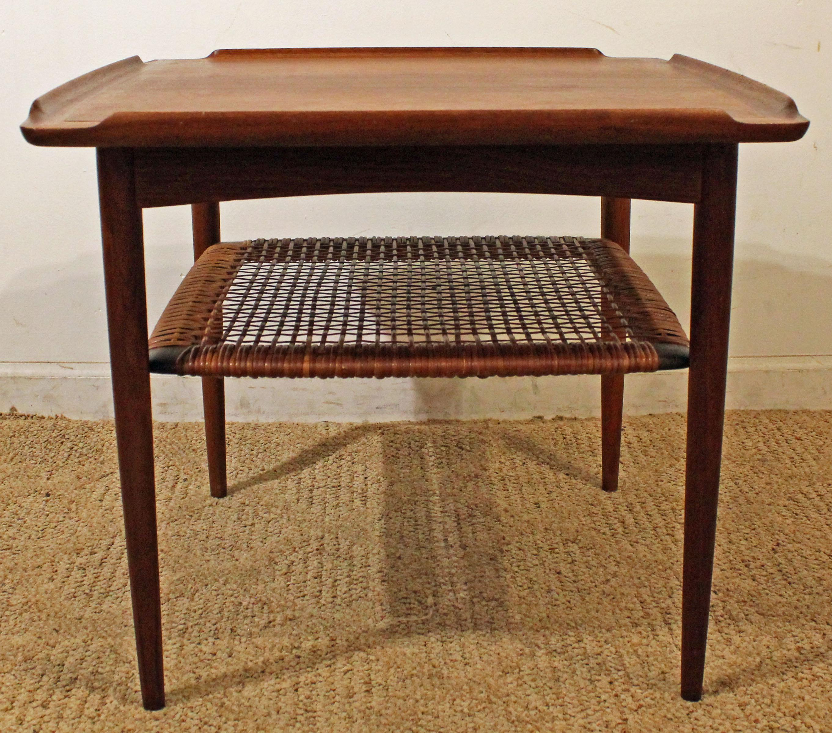What A Find! Offered Is A Danish Modern End Table, Designed By Poul Jensen
