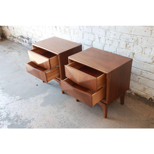 Mid-Century Modern Diamond Front Nightstands by United - A Pair For Sale In South Bend - Image 6 of 10