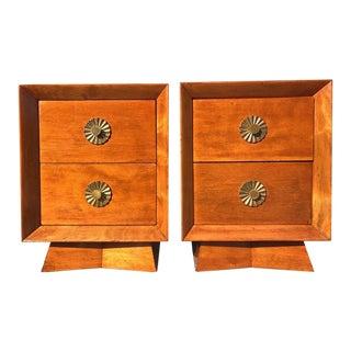 Albertone Dove Mid-Century Modern Walnut Nightstands - a Pair For Sale