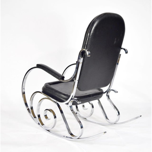 Maison Jansen Pair of Maison Jansen Polished Nickel Rocking Chairs, France, 1970s For Sale - Image 4 of 10