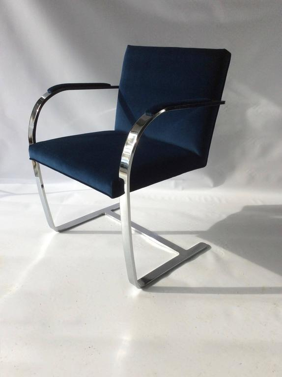 Contemporary Mies Van Der Rohe BRNO Flat Bar Chrome Cantilevered Chairs For  Sale   Image 3