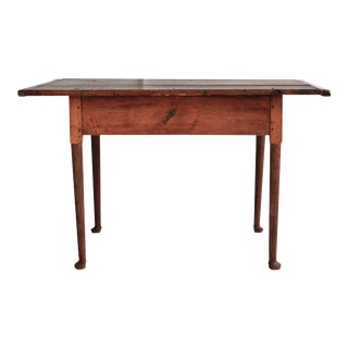 Queen Anne Wood Tavern Table, 18th Century American For Sale
