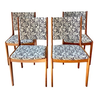 Mid Century Modern D-Scan Dining Chairs - Set of 4 For Sale