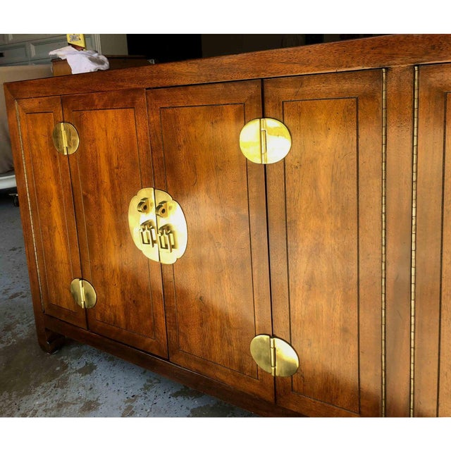 Metal 1970s Henredon Asian Chinoiserie Campaign Credenza For Sale - Image 7 of 12