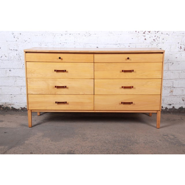 Mid-Century Modern Paul McCobb Perimeter Group Mid-Century Modern Eight-Drawer Dresser or Credenza, 1950s For Sale - Image 3 of 12