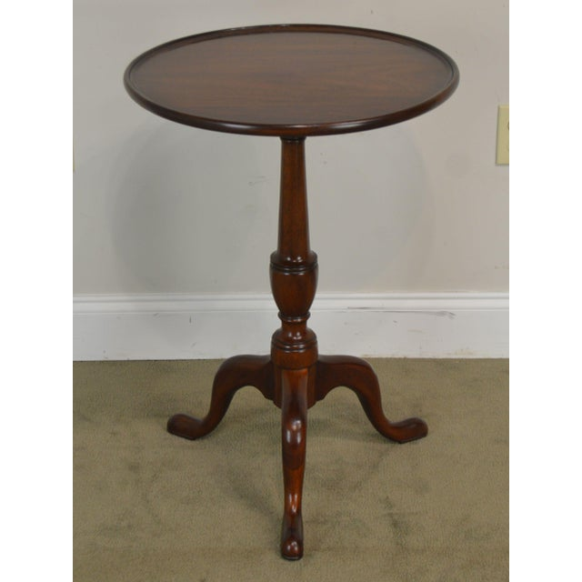 "Henkel Harris Henkel Harris Traditional Mahogany 20"" Round Pedestal Side Table For Sale - Image 4 of 13"