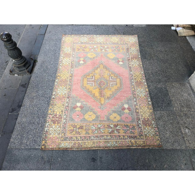 1960s Vintage Nomadic Floral Wool Rug- 3′7″ × 5′7″ For Sale - Image 11 of 11