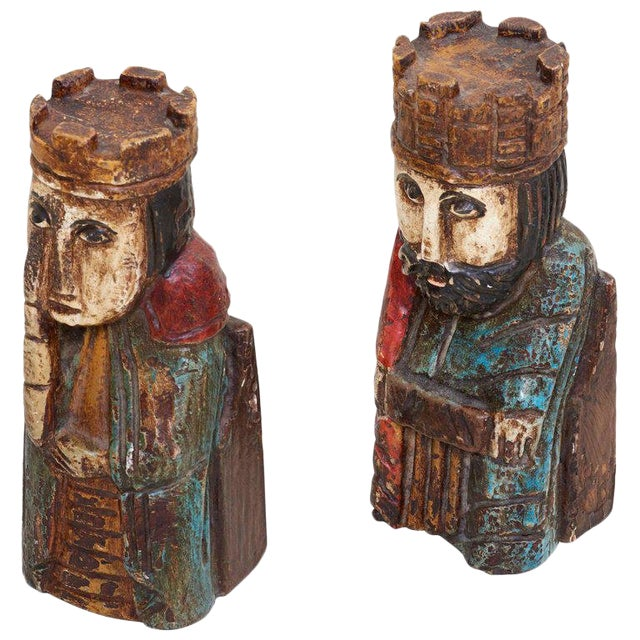Pair of Wooden Queen and King Bookends For Sale