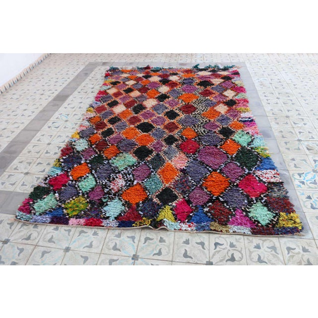 1980s Vitnage Moroccan Boujad Rug - 5′6″ × 8′11″ For Sale - Image 4 of 5