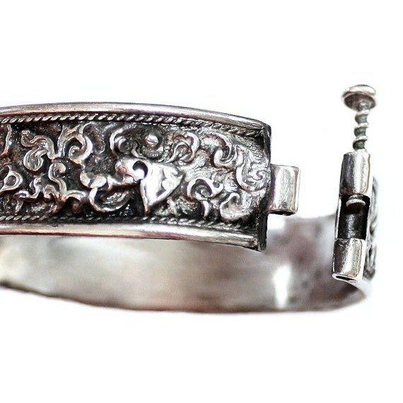 Asian Antique Chinese Hinged Sterling Repoussé Bangle For Sale - Image 3 of 4