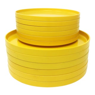 Yellow Massimo Vignelli for Heller Dinnerware - Set of Six Dinner Plates + 6 Salad Plates For Sale