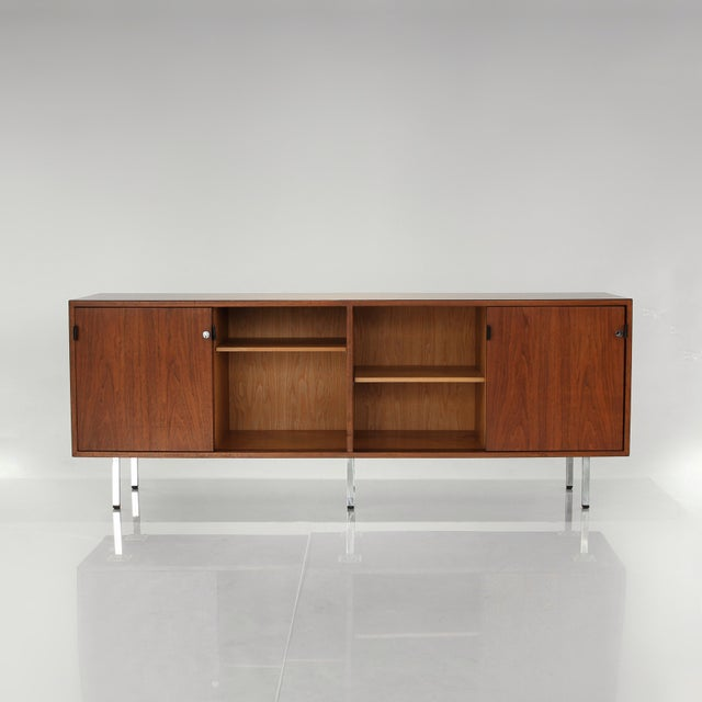 Mid-Century Modern 1960s Florence Knoll Walnut Credenza Sideboard For Sale - Image 3 of 13