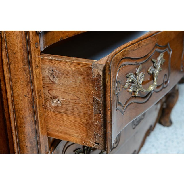 Late 18th Century French Provincial Walnut Commode For Sale - Image 5 of 10