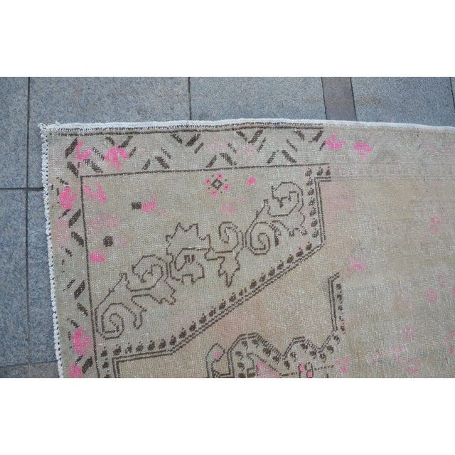 Turkish Anatolian Faded Rug - 4′5″ × 7′1″ For Sale In Austin - Image 6 of 6