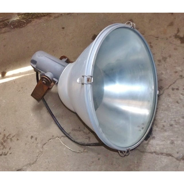 Industrial Wall Mounted Flood Light - Image 2 of 6