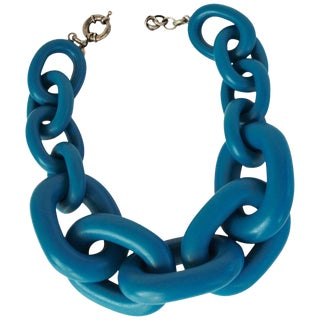 Vanda Jacintho Oversized Blue Resin Link Necklace For Sale