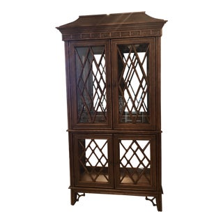 Vintage Chinoiserie Chippendale Pagoda Rattan Bamboo Display Cabinet For Sale