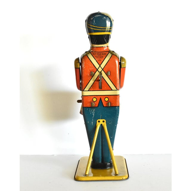 1930s Antique Working Lithograph Tin Wind-Up Toy Drum Major For Sale - Image 5 of 11