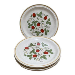 Whimsical Set of 5 Vintage Strawberry Motif Dinner Plates For Sale