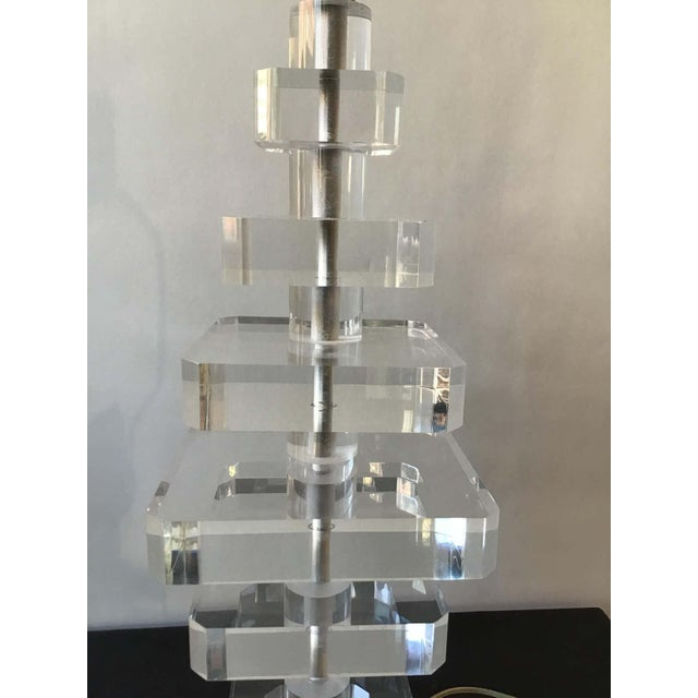 1980s Stacked Lucite Lamp For Sale In New York - Image 6 of 8