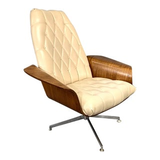 """Mid-Century George Mulhauser for Plycraft Modern Teak """"Mr. Chair"""" Lounge Chair For Sale"""