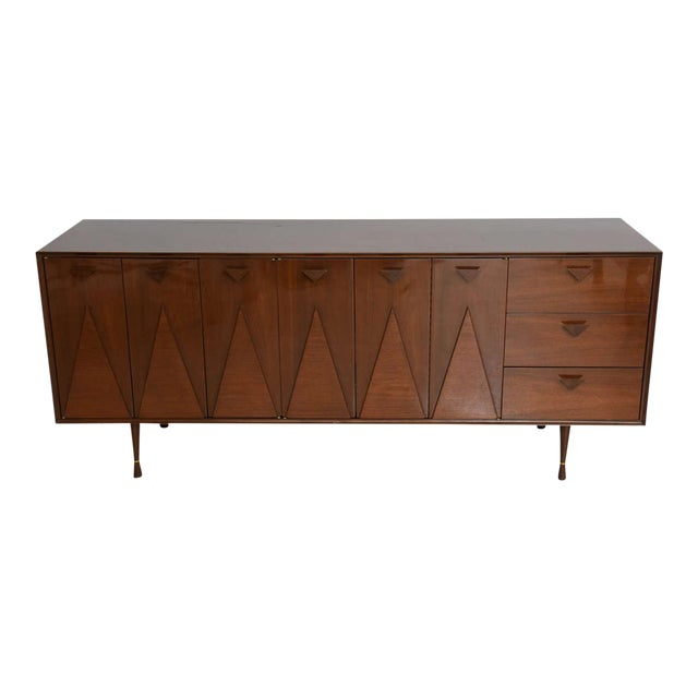 Italian Modern Walnut Sideboard or Buffet or Credenza in the Style of Gio Ponti For Sale