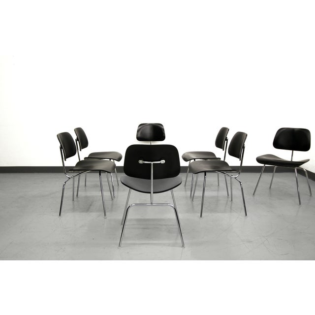 Herman Miller Set of 7 Authentic Eames Herman Miller Dcm Black Ebony Mid Century Dining Chairs For Sale - Image 4 of 8