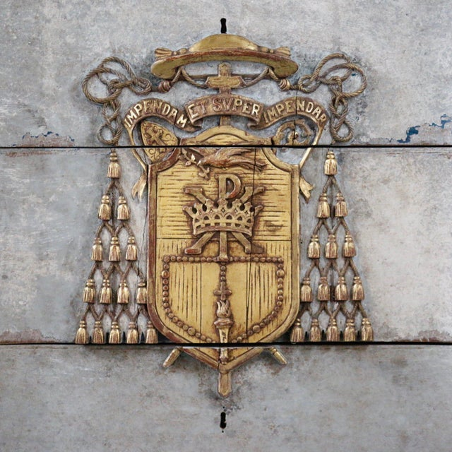1940s Italian Cardinal Medina Coat of Arms Chest For Sale - Image 5 of 9