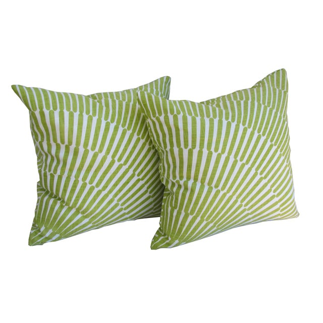 2020s Pair of Green and White Throw Pillows For Sale - Image 5 of 5