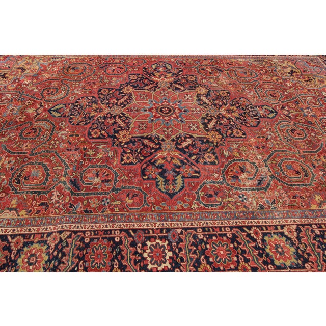 Vintage hand-knotted Persian Heriz Good condition.