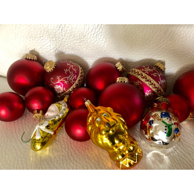 set of seventeen assorted c 1980 red glass christmas tree ornaments - Christmas Tree Ornaments Sets