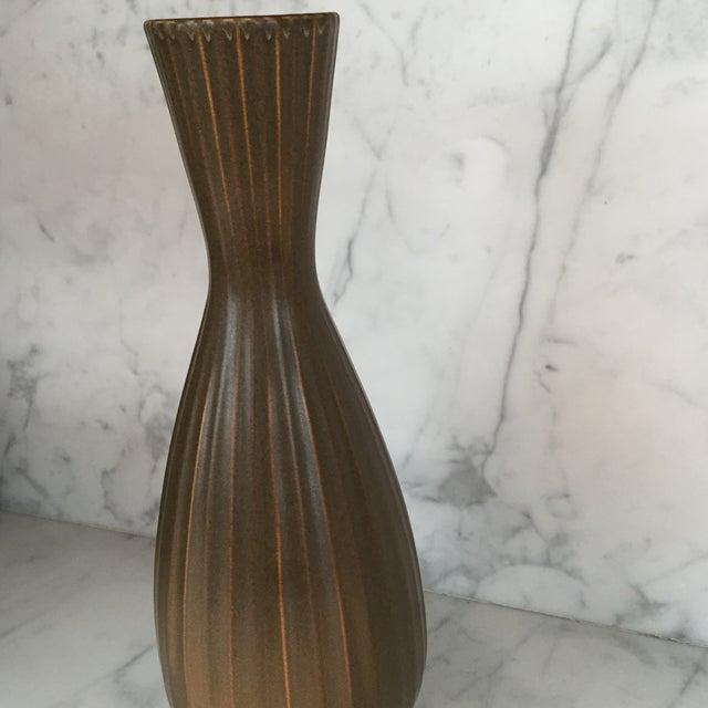"""Jonathan Adler """"Sven"""" Vase - Image 3 of 5"""