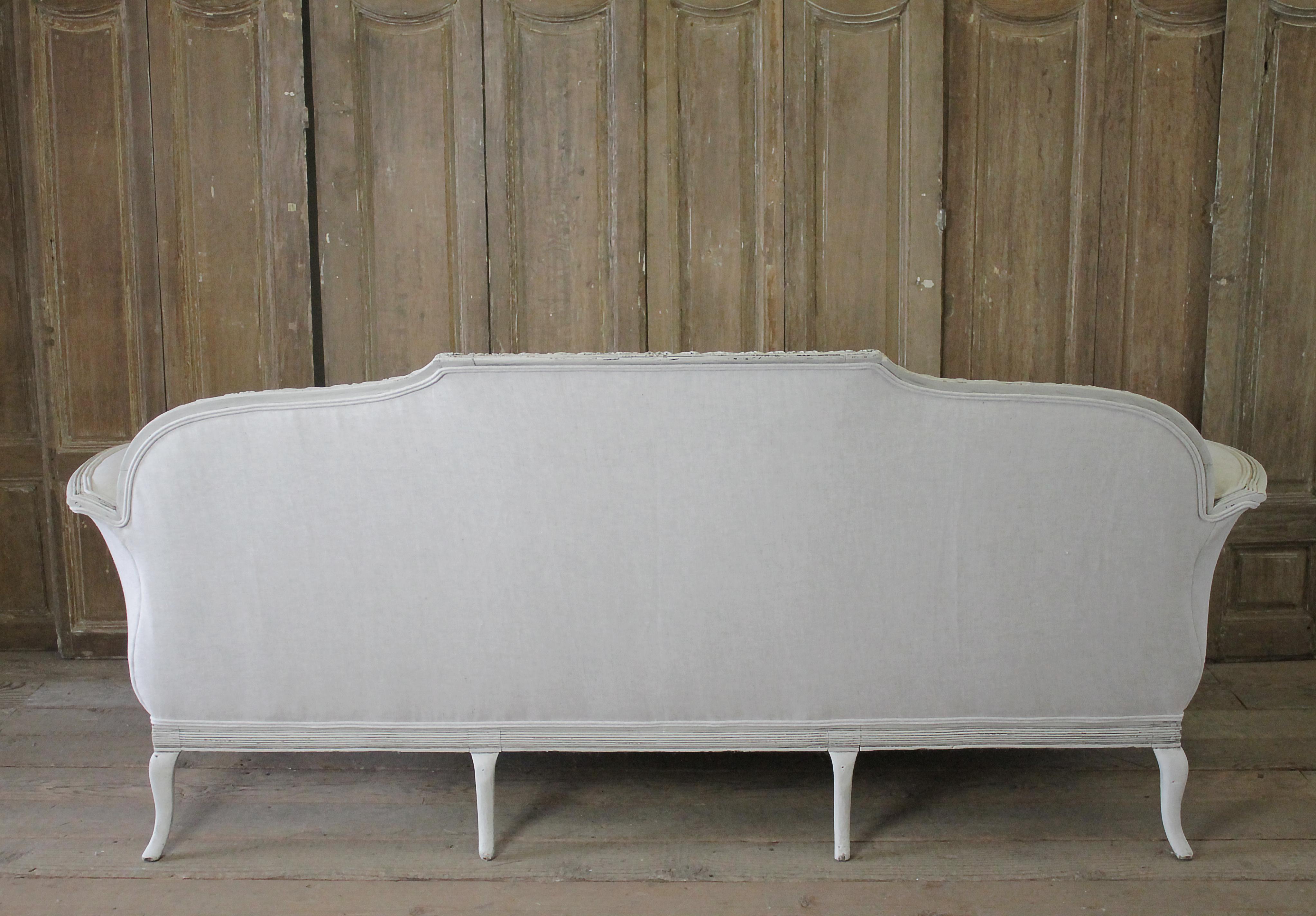 20th Century Italian Neoclassical Sofa Upholstered In Belgian Linen   Image  8 Of 11