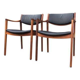 Vintage Mid-Century Modern Jens Risom Style Gunlocke Armchairs- A Pair For Sale