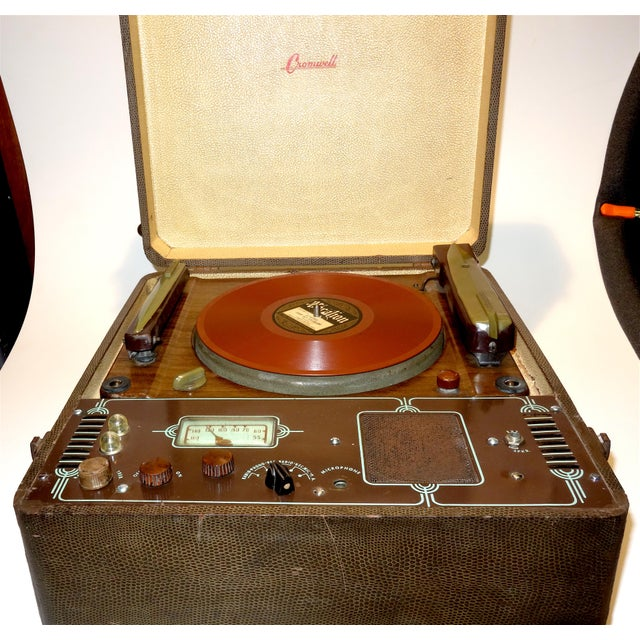 Brown Cromwell Phonograph and Record Cutting Lathe. Circa 1938. Just Cosmetically Preservation Restored in Our Workshop. For Sale - Image 8 of 12