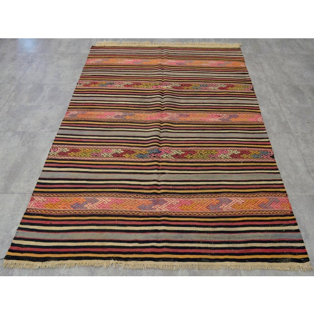 "Turkish Vintage Braided Rug. Flat Weave Area Rug - 4' 6"" X 6' 11"" For Sale - Image 3 of 11"