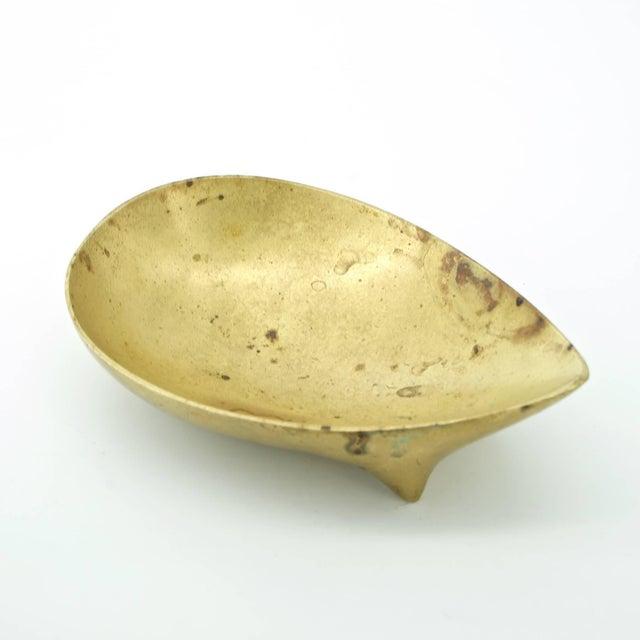 Carl Auböck Vintage Illums Bolighus Danish Brass Metalworks Footed Bowl Attrd. Carl Aubock For Sale - Image 4 of 10