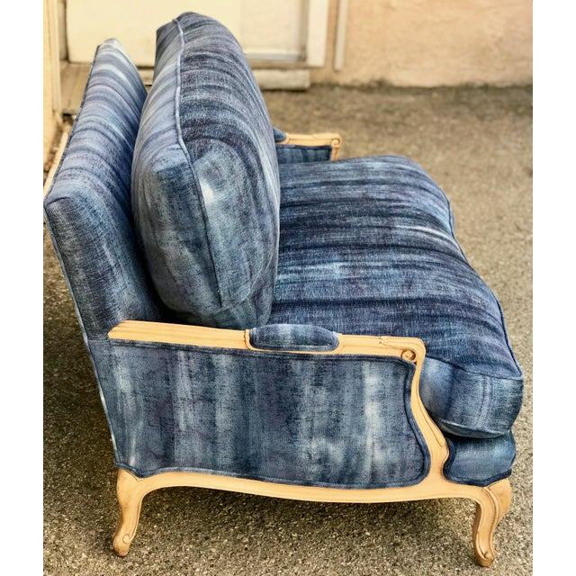 Early 20th Century Antique French Dip-Dyed Ombre Indigo Fabric Settee For Sale - Image 4 of 10