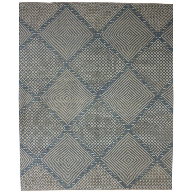 A beautiful modern saruk kilim, handmade by Aara Rugs. Geometric design. This kilim is made of 100% wool, dyed with all...