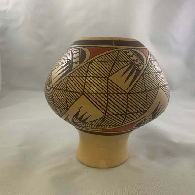 Mid 20th Century Southwest Clinton Polacca Hopi Polychrome Seed Jar With Migration Pattern For Sale - Image 5 of 13