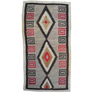 1940s Modern Native American Navajo Handwoven Wool Rug With Natural Fibers For Sale