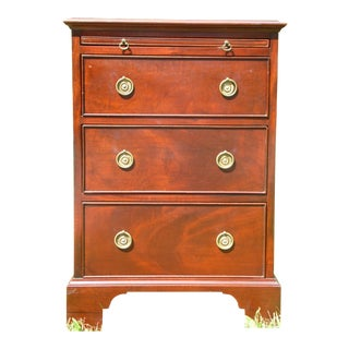 Antique Robert Treate Hogg Custom Solid Mahogany Chest of Drawers Petite Dresser