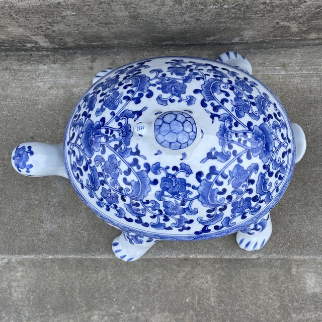 1970s Large Chinese Blue and White Turtle Tureen For Sale - Image 5 of 11