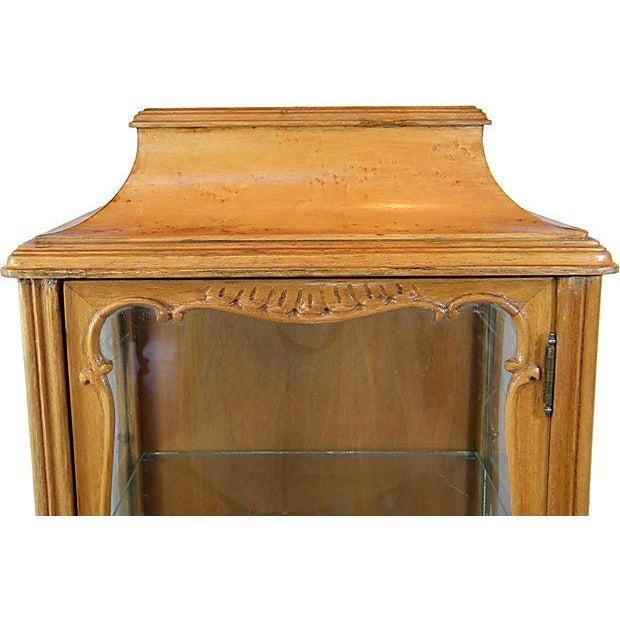 John M. Smythe Furniture Co. Petite Vintage Curio For Sale - Image 4 of 5