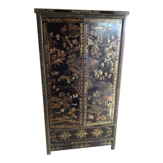 1900's Vintage Chinese Gilt Armoire For Sale