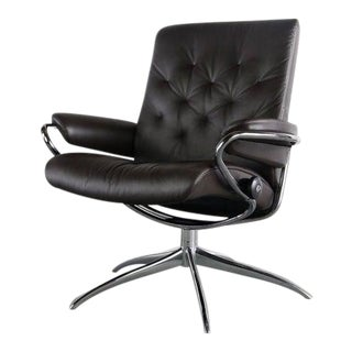 Mint Condition Ekornes Chair with Swivel Star Base, Norway For Sale