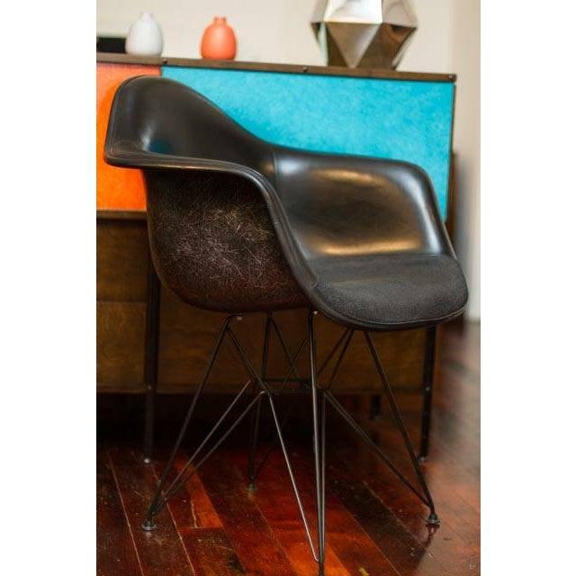 Herman Miller Eames Fiberglass Chair - Image 3 of 5
