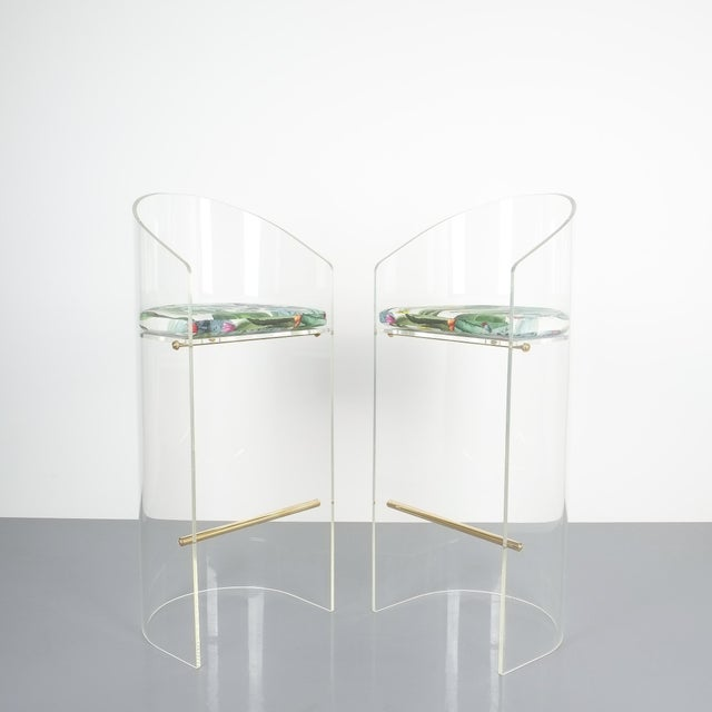 Pair of Lucite Brass Bar Stools Style Charles Hollis Jones, 1960 For Sale - Image 13 of 13