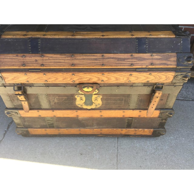 Traditional Antique Stagecoach Trunk Steamer For Sale - Image 3 of 13