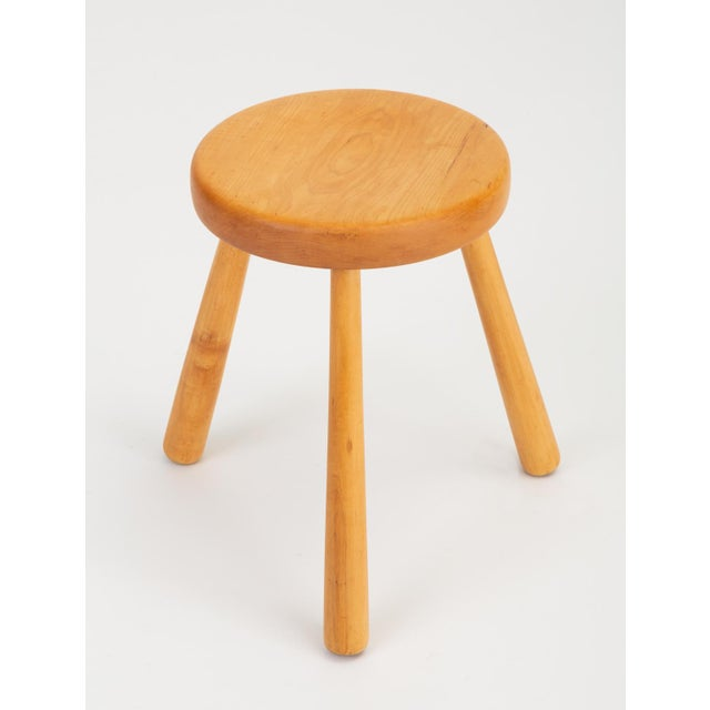 French Rustic Modern Three-Legged Stool in Pine Wood For Sale In Los Angeles - Image 6 of 10